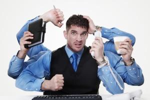 Можно работать по полставке на двух работах основным работником