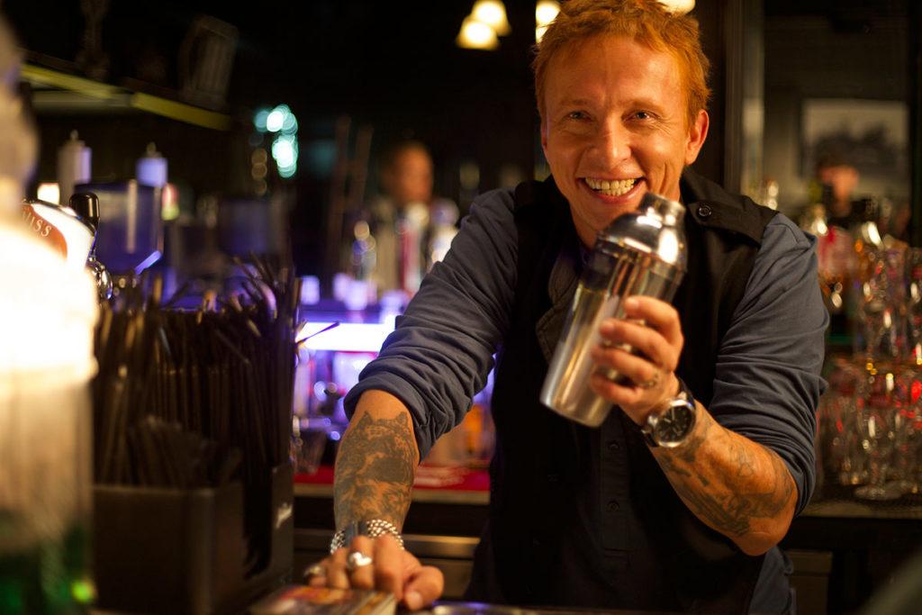 Как стать барменом с нуля. Лайфхаки